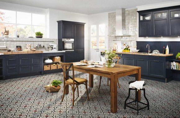 Bristol Samtblau Landhausküche von Häcker