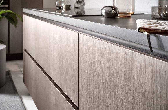 Küchentrends 2020 Häcker Metallic Optik und Haptik im Miele Center preissegger